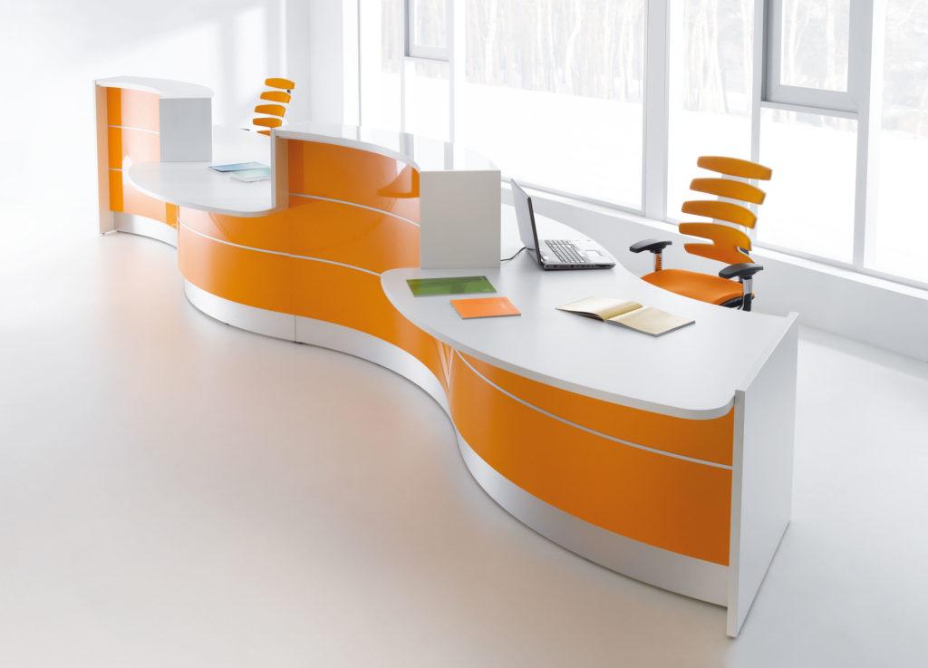 """""""Jenis Meja Kantor yang Cocok untuk Partisi Kaca"""""""